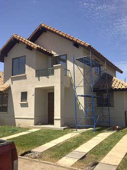 Condominio Laguna Del Sol: Casas de estilo clásico por ARCOP Arquitectura & Construcción