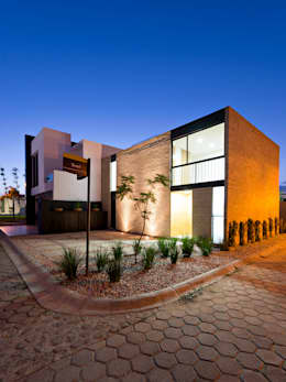 Casa FGN: Casas de estilo rústico por Monolito