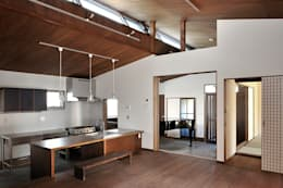 Ruang Makan by デザイン・ラボ 一級建築士事務所