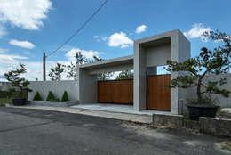 Puertas de estilo  por 夏沐森山設計整合