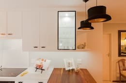 House Brooks. : modern Kitchen by Redesign Interiors
