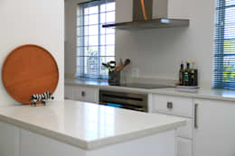 somerset Park home : modern Kitchen by BHD Interiors