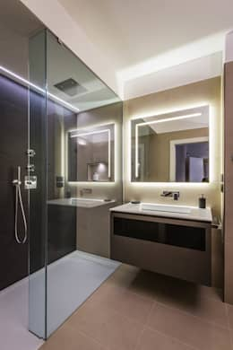 Baños de estilo minimalista por ADIdesign*  studio