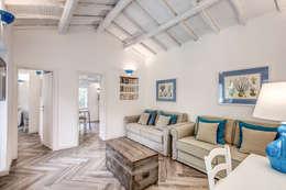 classic Living room by Studio Guerra Sas