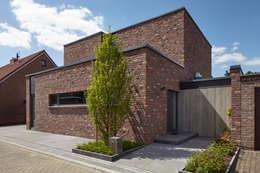 Haus I.: moderne Häuser von Lioba Schneider