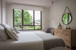 modern Bedroom by Estibaliz Martín Interiorismo