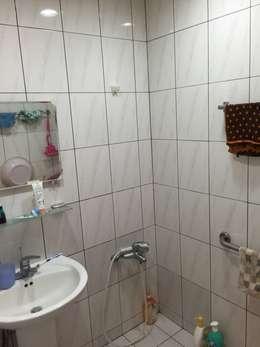 台北 老屋翻修:  浴室 by 耘州室內裝修有限公司