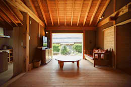 長崎 五島 / 伝統工法の小さな家: HAGが手掛けたリビングです。