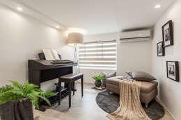 Teen bedroom by E&C創意設計有限公司
