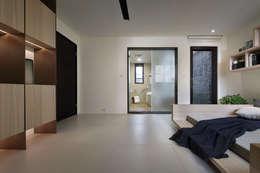 隨意隨心,恰如其分的空間:  臥室 by 奇承威設計事業
