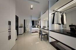 最簡單的黑白,卻藏著最精彩的語彙:  更衣室 by 奇承威設計事業