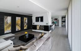 modern Living room by UNISSIMA Home Couture