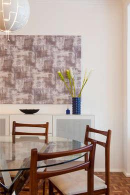 Sala_Zona de refeições: Sala de jantar  por Traço Magenta - Design de Interiores