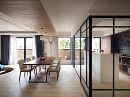 scandinavian Dining room by 星葉室內裝修有限公司