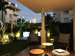 Varanda   Deck lounge: Terraços  por branco arquitetura