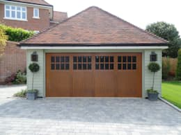 Garage Doors : classic Garage/shed by Wessex Garage Doors