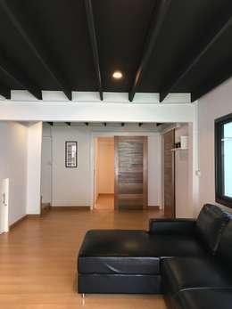 รีโนเวทบ้านมือสอง ให้เหมือนบ้านใหม่ใจกลางกรุง:   by สายรุ้งรีโนเวท