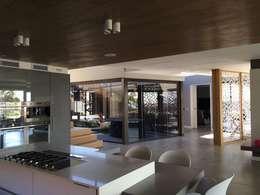 Izinga Park, Umhlanga : modern Kitchen by Urban Create Design Interiors