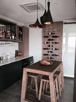 Izinga Park, Umhlanga : modern Wine cellar by Urban Create Design Interiors
