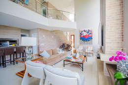 Salas de estilo moderno por Arquiteto Vinicius Vargas