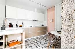 Cocinas integrales de estilo  por TALLER VERTICAL Arquitectura + Interiorismo
