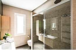 浴室 by TALLER VERTICAL Arquitectura + Interiorismo