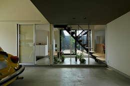 大原の家: arc-dが手掛けたガレージです。