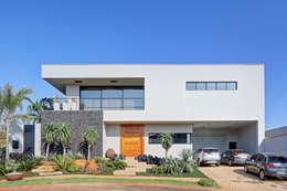 Casas de estilo moderno por DGL arquitetura