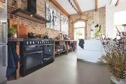 Armarios de cocinas de estilo  por MeisterWerke Schulte GmbH