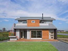 modern Houses by (株)独楽蔵 KOMAGURA