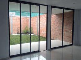 Cửa kéo by Taller 503 / Diseños y proyectos Arquitectónicos, SA de CV