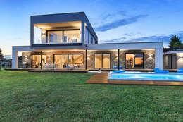 Moderna Villa in Bioedilizia: Case in stile in stile Moderno di Stefano Pedroni