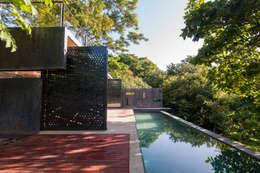 Piscinas de estilo moderno por Paul Marie Creation
