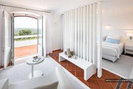 Casa decorada com Velharias de Janas: Quartos modernos por Pedro Queiroga | Fotógrafo