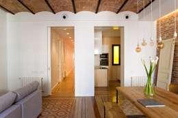 ประตู by Nghệ nhân Kiến trúc