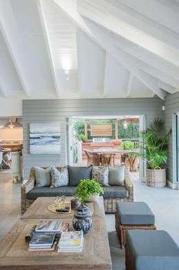 Phòng khách by JSD Interiors
