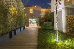 Projekty, minimalistyczne Domy zaprojektowane przez Brengues Le Pavec architectes