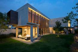 Casa Coco - Serrano Monjaraz Arquitectos: Casas de estilo moderno por Serrano Monjaraz Arquitectos