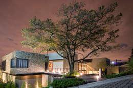 Real de Valle - Sobrado + Ugalde Arquitectos: Casas de estilo moderno por Sobrado + Ugalde Arquitectos