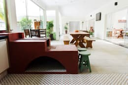 Cocinas de estilo rústico por Flavio Vila Nova Arquitetura