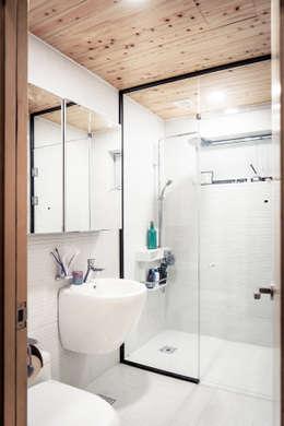 김포시 단독주택: 휴먼스케일의  화장실