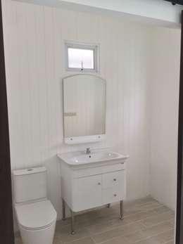 浴室 by P Knockdown Style Modern