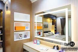 master bedroom dressing table:  Dressing room by DARI