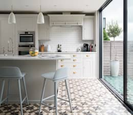 Swedish Elegance - Residential redecoration: modern Kitchen by SWM Interiors & Sourcing Ltd