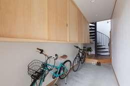 前島の家case2: 堺建築設計事務所が手掛けた廊下 & 玄関です。