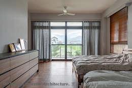 二樓主臥室:  臥室 by Hi+Design/Interior.Architecture. 寰邑空間設計