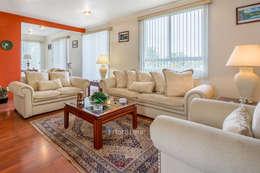 Fotografía Inmobiliaria: Salas de estilo clásico por FOTOIMX: Fotógrafo de Inmuebles en CDMX
