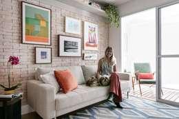 minimalistic Living room by Kika Tiengo Arquitetura