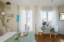 Sala da pranzo in stile in stile Mediterraneo di Nice home barcelona