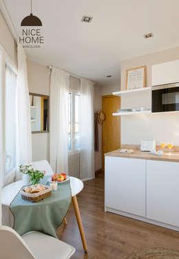 Cucina in stile in stile Mediterraneo di Nice home barcelona
